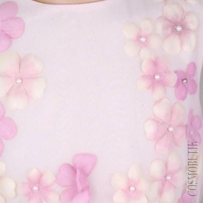 Нежное платье для девочки с цветами