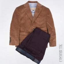 Костюм из пиджака из велюра, брюк с ремнём и рубашки с длинным рукавом
