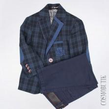 Костюм с пиджаком и брюками с ремнем