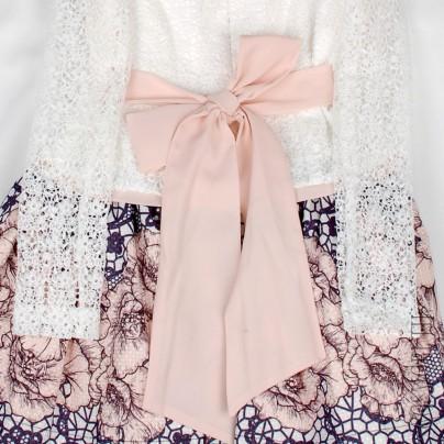 Нарядное платье c длинным кружевным рукавом