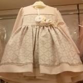 Стильное персиковое платье
