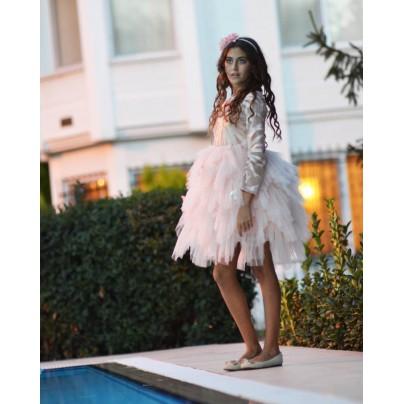 Дизайнерское платье для девочки с пышной юбкой