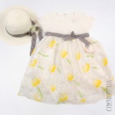 Платье с соломенной шляпкой