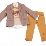 Костюм из приталенного пиджака, рубашки, джемпера, бабочки и брюк