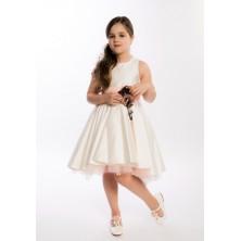 Атласное платье с цветами на поясе