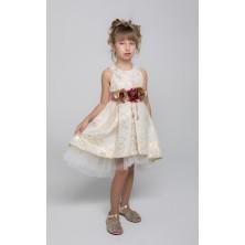 Жаккардовое платье с цветочной брошью