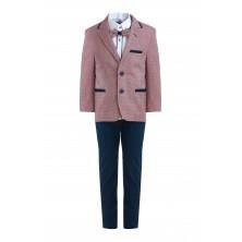Костюм из розового  пиджака , брюк , бабочки и  рубашки с длинным рукавом