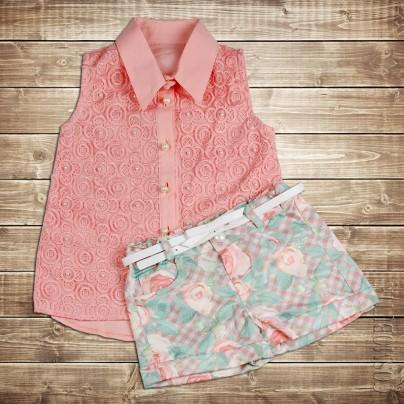 Костюм из хлопковой рубашки и шорт