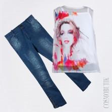 Костюм: блуза и облегающие джинсы
