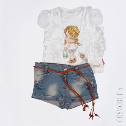 Джинсовые шорты и кружевная жилетка