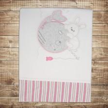Детское одеяло с розовыми полосками