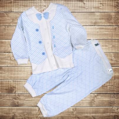 Костюм бело-голубой из штанов и кофточки