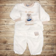 Мягкий и теплый костюм для малыша