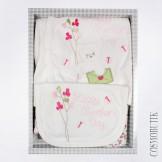 Набор для новорожденного на выписку молочный с розовым
