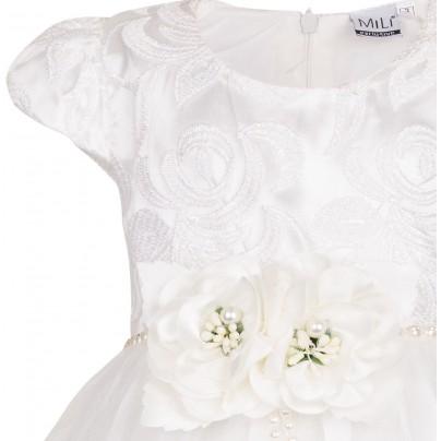 Пышное нарядное платье кремового цвета