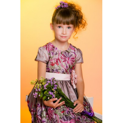 Нарядное платье c объемной вышивкой